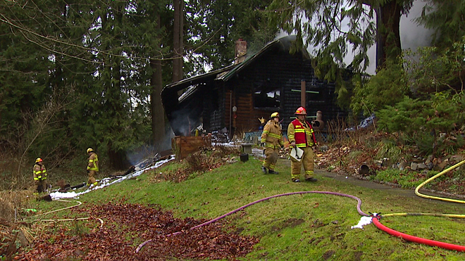 Fire destroys Mirrormont home